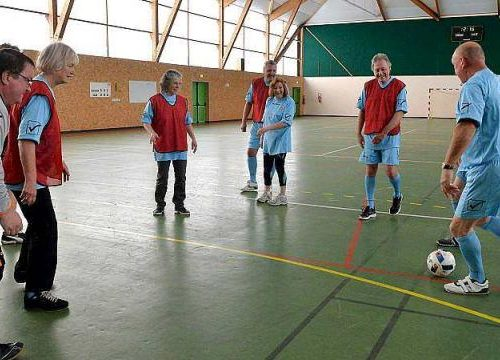 ils-sont-les-seuls-footballeurs-de-france-ne-pas-courir_0